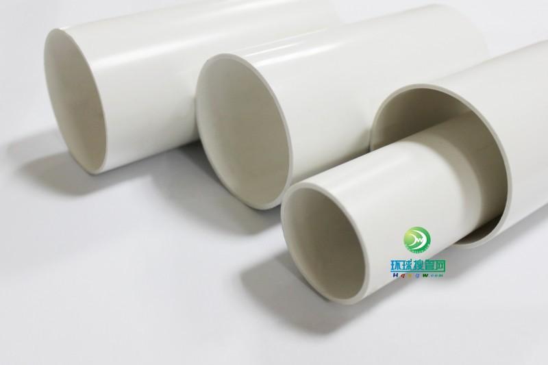其次,要安全可靠。目前市场上的自来水管道种类繁杂,有金属管、塑胶管、复合管等等,从材质上分析,塑胶管导热系数较低,因此耐高温、保温性能较好,膨胀力也较小,使用寿命较更是长达50年以上,而且价格也较为适中,因此,一般的家庭用水管还是塑胶管最为合适 因此,选择经济实惠的给水、排水管,不仅可以降低经济支出,关键还能享受干净卫生、安全可靠的生活,让消费者真正的省心、放心。