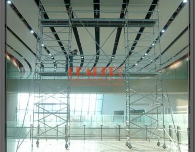 移动工作架 无须工具可搭建 用于机场航站楼维修换灯