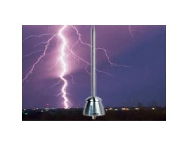 闭式冷却塔避雷