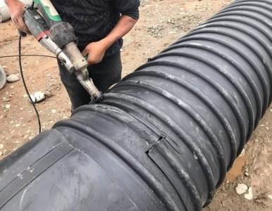 钢带增强pe螺旋管挤出焊接连接方式